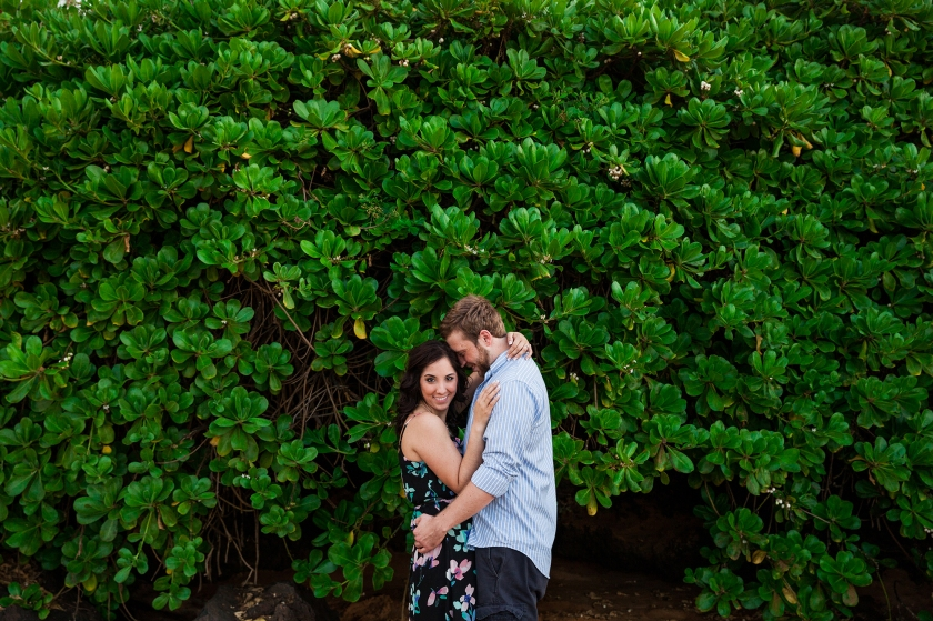 fun-romantic-maui-beach-engagement-portraits-4