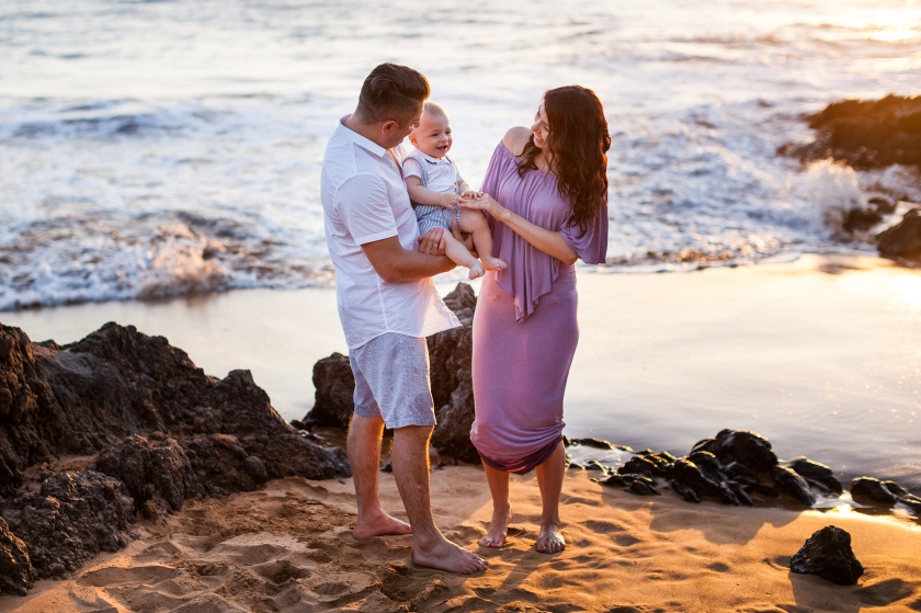 Creative-Fun-Vibrant-Maui-Family-Portraits-0006